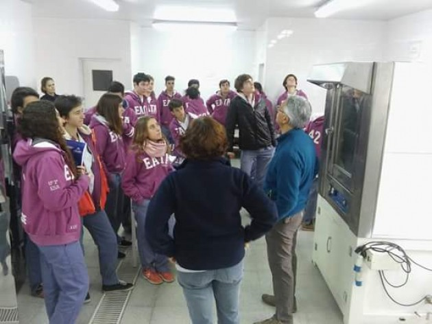 Visita de alumnos de 6to. ESA a   la Chacra Experimental  Integrada Barrow
